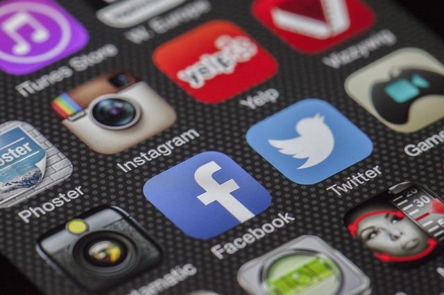 האינדקס mobile-first של Google מספק כעת למעלה ממחצית מתוצאות החיפוש של Google